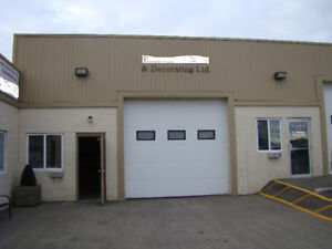 Paint Shop in Calgary with business / 3080 sq.ft./ for sale