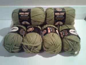 WOOL EASE THICK & QUICK KNITTING YARN