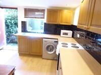 1 bedroom flat in Hares Mount, Chapeltown, LS8