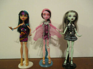 Reste 2   Beautés   Monster  High  $9CHAQUE