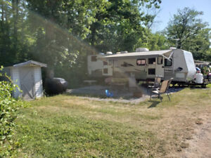 Wow! $16000 What a deal 30ft sleep 10 camper priced to sell fast