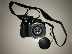 Fujifilm FinePix S4000 Camera - Great Condition