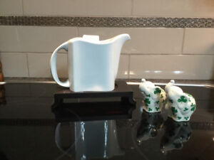 Brand New - Wave Teapot with Stand  / Salt & Pepper Shakers