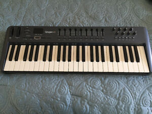M-Audio Oxygen 49 key USB MIDI Keyboard Controller - Mint