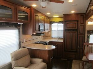 2010 Jayco Eagle 313 RKS 5TH Wheel Travel Trailer **CLEAN UNIT** London Ontario image 9