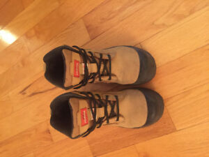 For sale ladies Steele toe work boots excellent condition.