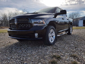 2014 Ram 1500 Sport - Loaded Pickup Truck