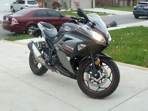 2013 Special Edition Ninja 300 ABS (Black)