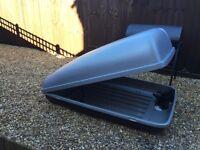 Karrite roof box