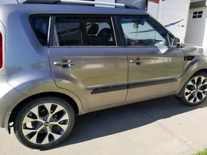 Kia soul 4U fully loaded -GREAT LOW PRICE-Excellent condition