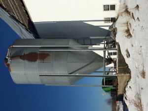 Feed tank and milk tank for sale