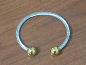 Two Tone Wire Magnetic Bracelet