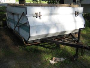 tente roulotte toile pas bonne 350$ négo parfait trailer cabane