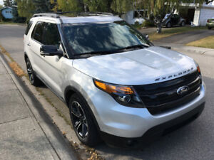 2014 Ford Explorer Sport w Winter Tires