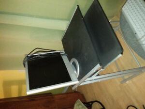 Bureau d ordinateur et chaise neuve