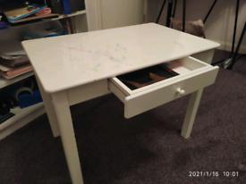 Children study table / desk