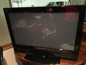 2 Beautiful TV'S for sale 1 Price(Flat Screen with HDMI)