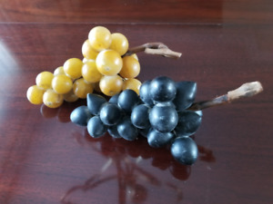 Alabaster grapes