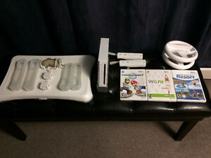 Nintendo Wii Console, Wii Fit & 4 Games