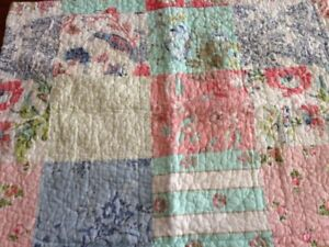 Double size Quilt with Two Pillow Covers
