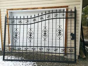 New Price, have to go!! Iron-Gate, black, super price