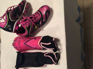 Girls size 3 Rawlings Soccer Cleats and Striker Shin Guards
