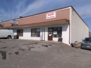 Rare Oshawa industrial ! 14ft ceilings, truck loading & office!