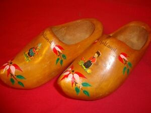 Wooden  Shoes  - * Blue  Delft