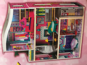 Dollhouse by Imaginarium