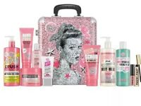Brand new soap and glory the whole glam gift set RRP 60