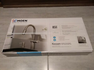 Unopened box - Moen (Spot-Resist) Pull-Down- kitchen faucet