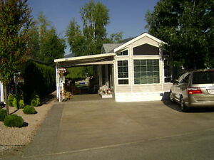 SHUSWAP LAKE VACATION HOME FOR SALE WITH LOT