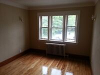 1 BED-COLLEGE ST-MARCH 1ST & 1 BED-COTE BLVD-HANMER-APR 1ST