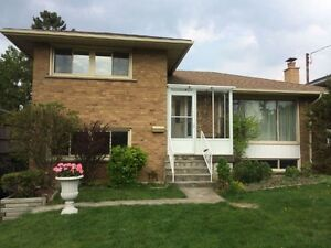 spacious and updated 4 bedroom+1 sunroom @ warden and sheppard