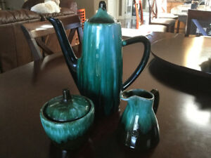 Blue Mountain PotteryCoffee/Tea set