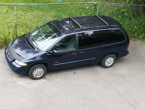 Plymouth Voyager 1999 à vendre ou échange