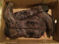 NEW. Woman's Laredo cowboy boots
