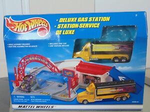 1999 HOT WHEELS DELUXE GAS STATION