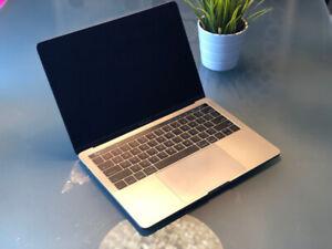 MacBook Pro (13-inch, TouchBar, 2017) (i5 3,1Ghz, 8GB Ram, 512GB