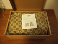 UGG Casual Shoes Black NEW IN BOX!!!, Size 7.5B