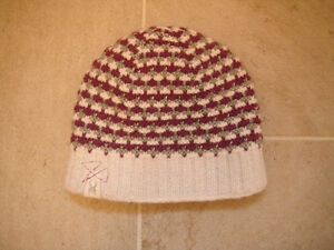 Girls White And Purple Spyder Hat One Size London Ontario image 1
