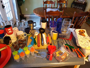Huge lot of kitchen items