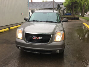 2007 GMC YUKON LOADED 4x4  (((LEATHER/ROOF)))