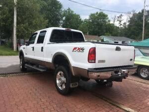 White 2005 Ford F350 Lariat Tow Package