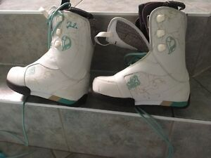 Barely used women's size 6.5 snowboarding boots