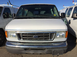 2004 Ford E-250 glass van Wagon