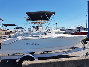 New Robalo Boats in Stock