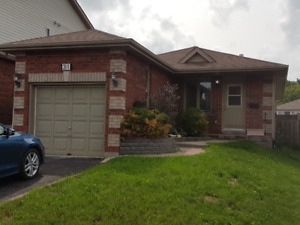 South Barrie Bungalow, Check it out!