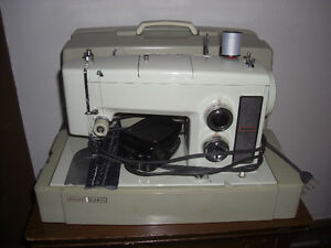 Kenmore 158.17550 HD Sewing Machine, with Case