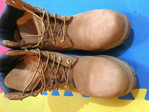 Gently Worn Men's TImberland Boots